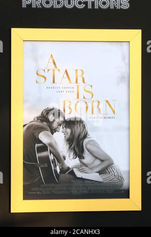 LOS ANGELES - SEP 24: Ambiente en el 'A Star is born' LA Premiere en el Auditorio Shrine el 24 de septiembre de 2018 en los Angeles, CA Foto de stock