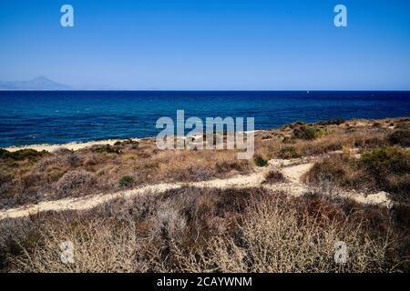 Vista desde Cabo de las Huertas hacia Villajoyosa y Benidorm,Alicante City, España, Europa, Julio 2020