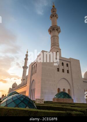 Gran Mezquita Sheikh Zayed al atardecer, Abu Dhabi, Emiratos Árabes Unidos