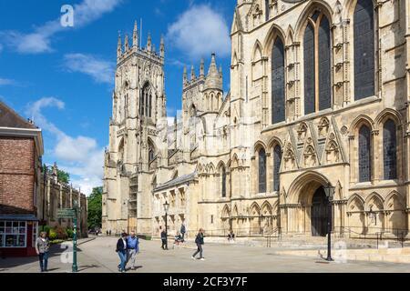 York Minster de Minster Yard, York, Yorkshire del Norte, Inglaterra, Reino Unido