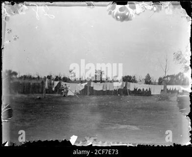 Lavado colgado en línea, Wagga Wagga Región, Nueva Gales del Sur, ca. 1920    Abraham Valentine Booth .