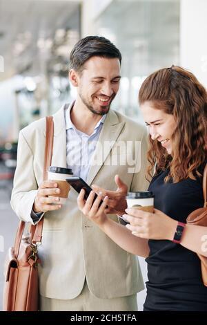 Gente de negocios disfrutando del descanso Foto de stock