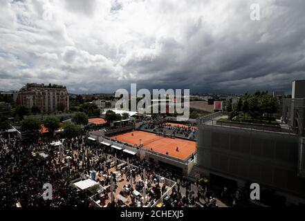 Tenis - Abierto de Francia - Roland Garros, París, Francia - 7 de junio de 2019. Vista general de los tribunales. REUTERS/Benoit Tessier