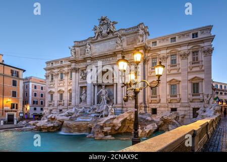 Fontana de Trevi y Palazzo Poli, Roma, Lazio, Italia