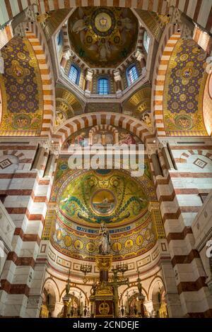 Interior de la iglesia de Notre Dame de la Garde, Marsella, Bocas del Ródano, Provenza, Francia, Europa