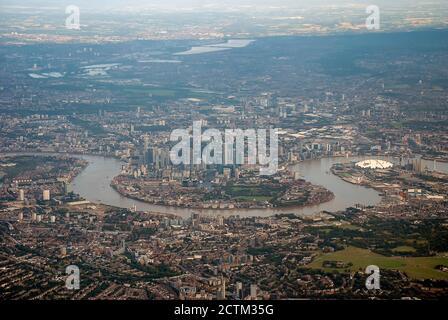 Con vistas a la expansión urbana de la ciudad de Londres desde un avión