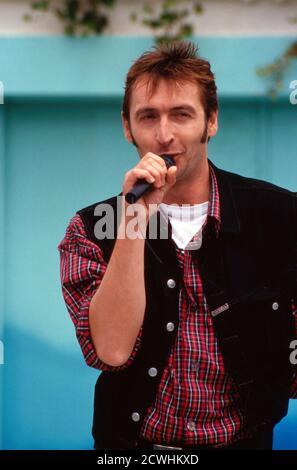 ZDF Fernsehgarten, Sonntags-Unterhaltungsshow, Sendung vom 3. Juli 1994, Gaststar: Sänger ?