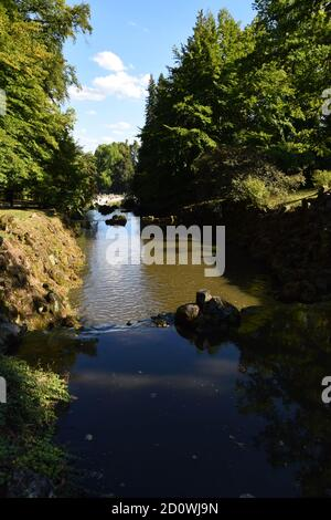 Wasserspiele - Plutogrotte, Teufelsbrücke y el Templo Jussow