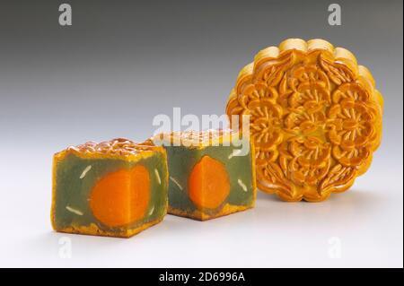 Pasta de té verde con una sola tarta de luna de yema para la China Mid Celebración del Festival de Otoño