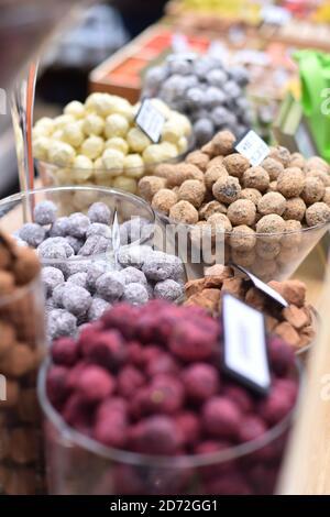 Chocolate en venta en el Chocolate Show, en Olympia en Kensington, Londres. Foto fecha: Viernes 13 de octubre de 2017. El crédito de la foto debe decir: Matt Crossick/ EMPICS Entertainment.