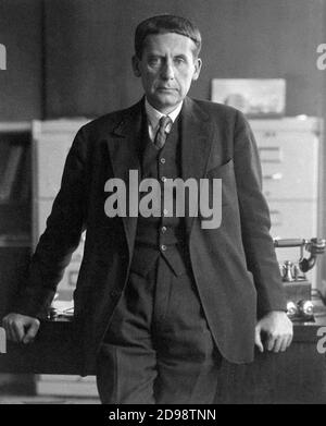 Walter Gropius. Retrato del arquitecto alemán Walter Adolph Georg Gropius (1883-1969) de Hugo Erfurth, 1928