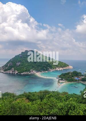 Koh Tao, Tailandia - 2 de enero de 2020: Hermoso punto de vista en la isla Koh Nang Yuan en Koh Tao Tailandia.