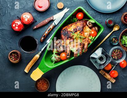 Lomo de cerdo o costilla de cerdo asada con carne a la parrilla
