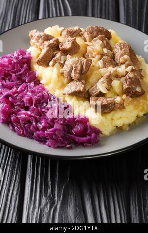 Hachee es un estofado tradicional de ternera y cebolla que se encuentra en prácticamente todas las casas holandesas