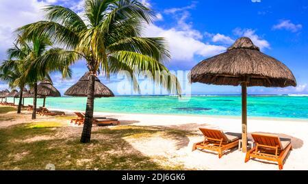 Vacaciones tropicales relajantes en una de las mejores playas de Isla Mauricio