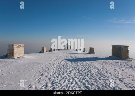 Una vista desde el Monte Grappa conmemorativo de la primera guerra mundial, Italia