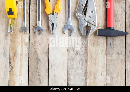 Close-up de las herramientas de trabajo en madera