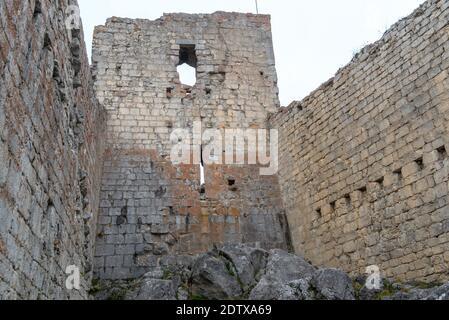 Cathar castillo de Montsegur en Ariege, Occitanie en el sur de Francia.