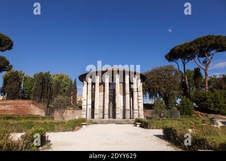 Templo de Hercules Victor (Hercules el Ganador) o Hercules Olivarius en el Forum Boarium, un venalium del foro de ganado de la Roma antigua cerca del río Tíber,