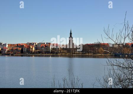 Vista panorámica de la ciudad de Ełk en el Distrito de los Lagos de Masuria en Polonia.
