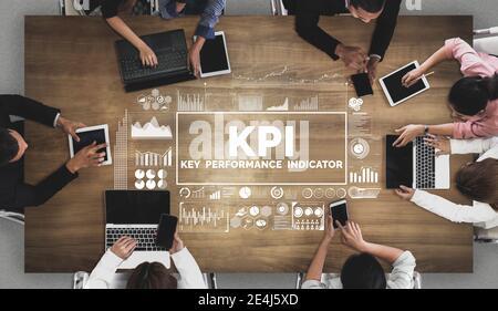 KPI indicador clave de rendimiento para el concepto de negocio - gráfico moderno interfaz que muestra los símbolos de la evaluación de objetivos de trabajo y los números analíticos para