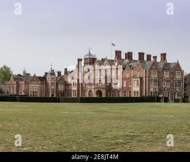 Reino Unido, Norfolk, Sandringham Estate, 2019, abril de 23: Vista de la casa y el terreno, Sandringham House, la residencia de la Reina Isabel II en Norfolk,