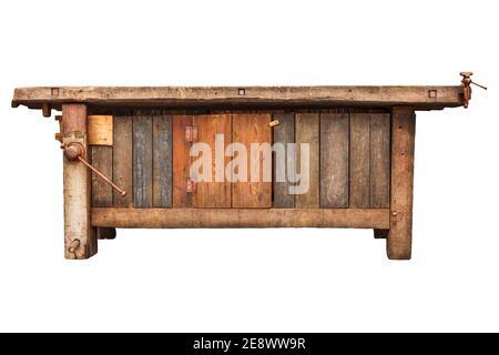 Antiguo banco de trabajo de madera de carpintero aislado sobre un fondo blanco
