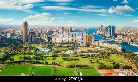 Vista aérea de el Cairo y el río Nilo en Egipto.