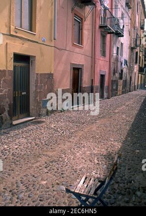Bosa, Cerdeña, Italia (escaneado a partir de portaobjetos de color)