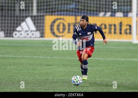 19 de octubre de 2020; Foxborough, MA, EE.UU.; El centrocampista de la Revolución de Nueva Inglaterra Lee Nguyen (42) en acción durante un partido de la MLS entre la Unión de Filadelfia y la Revolución de Nueva Inglaterra en el estadio Gillette. Anthony Nesmith/(Foto de Anthony Nesmith/CSM/Sipa USA)
