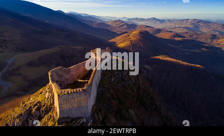 Montsegur Cathar castillo en el sur de Francia