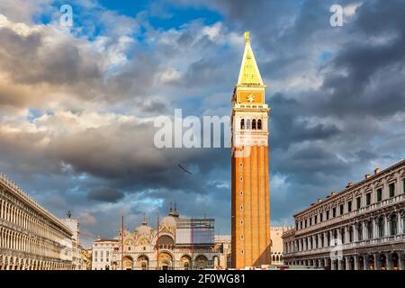 Piazza San Marko al anochecer, Venecia