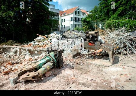 Oldenburg, Alemania. 04th de agosto de 2020. Un cortador de demolición en una obra de construcción en Oldenburg (Alemania), 04 de agosto de 2020. Crédito: dpa/Alamy Live News