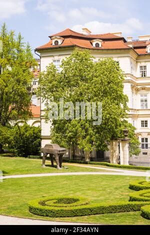 Geografía / viajes, República Checa, Bohemia, reverso de la embajada alemana con Gartengelaende, Palais Lobkowitz, Praga, República Checa, CZE, Libertad de Panorama