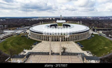 Olympiastadion Berlin en Olympiaplatz en Berlín - famoso estadio deportivo - CIUDAD DE FRANKFURT, ALEMANIA - 11 DE MARZO de 2021