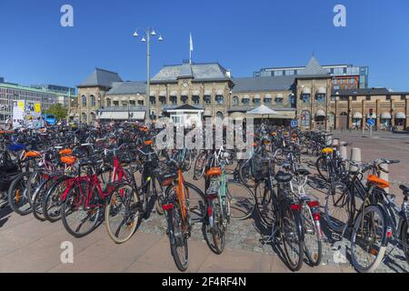 Geografía / viajes, Suecia, Vaestra Goetalands laen, Gotemburgo, bicicleta en la estación central en Got, Derechos adicionales-liquidación-Info-no-disponible