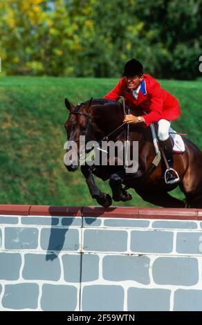 CSIO Masters, Spruce Meadows, en septiembre de 1995, Michael Matz (USA) caballo Rhum Foto de stock