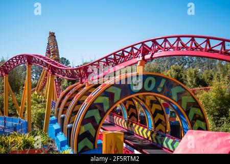 Orlando, Florida. 05 de enero de 2021. Gente disfrutando de Slinky Dog Dash Rollercoaster en Hollywood Studios (166)