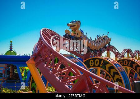 Orlando, Florida. 05 de enero de 2021. Gente disfrutando de Slinky Dog Dash Rollercoaster en Hollywood Studios (178)