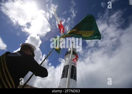 salvador, bahia / brasil - 11 de junio de 2019: Militares de la Marina brasileña vistos durante el evento en Farol da Barra en Salvador. *** Título local ***