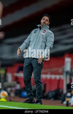Londres, Reino Unido. 9th de Abr de 2021. El gerente del Arsenal, Mikel Arteta, reacciona durante el partido de fútbol de la UEFA Europa League de 1st selecciones entre el Arsenal FC y SK Slavia Praha en el Emirates Stadium de Londres, Gran Bretaña, el 8 de abril de 2021. Crédito: Xinhua/Alamy Live News
