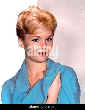 MARTES SOLDADURA actriz de cine estadounidense alrededor de 1960