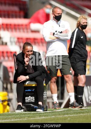 Fútbol Fútbol - SuperLiga Femenina - Manchester United v Tottenham Hotspur - Leigh Sports Village, Manchester, Gran Bretaña - 25 de abril de 2021 Manchester United manager Casey Stoney Action Images via Reuters/Lee Smith