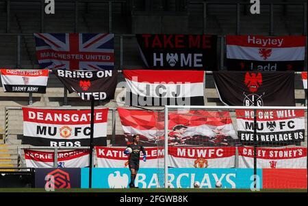 Fútbol Fútbol - Super Liga Femenina - Manchester United v Tottenham Hotspur - Leigh Sports Village, Manchester, Gran Bretaña - 25 de abril de 2021 Manchester United's Mary Earps Action Images via Reuters/Lee Smith