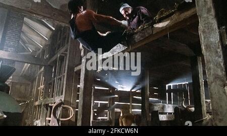 EE.UU. Sylvester Stallone en una escena de la película (C)MGM/UA: Rocky IV (1985). Argumento: Rocky Balboa se enorgullece de tener el campeonato mundial de boxeo de peso pesado, pero un nuevo retador ha dado un paso adelante: Drago, un luchador de seis pies y cuatro, de 261 libras que cuenta con el respaldo de la Unión Soviética. Ref: LMK110-J7060-260421 suministrado por LMKMEDIA. Sólo editorial. Landmark Media no es el propietario de los derechos de autor de estas películas o fotos de televisión, pero proporciona un servicio sólo para los medios reconocidos. pictures@lmkmedia.com