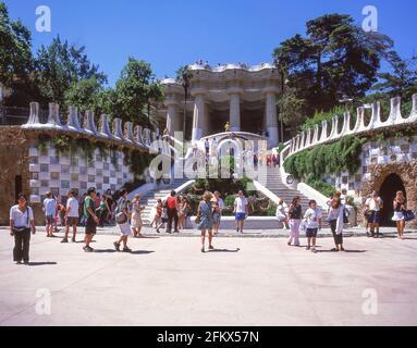 El Parc Güell (Parque Güell), El Carmel, el barrio de Gràcia de Barcelona, provincia de Barcelona, Cataluña, España