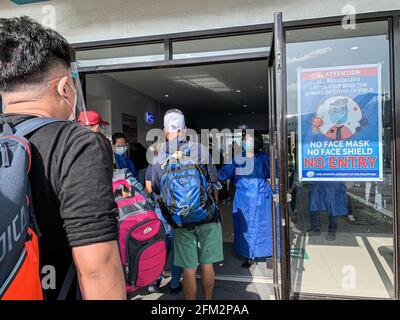 A pesar del aumento de casos de covid en Filipinas, el gobierno levantó algunas restricciones de viaje para alentar a la gente a viajar más localmente y ayudar a impulsar el turismo. Filipinas.