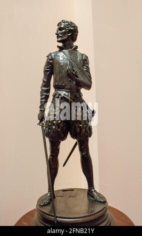Miguel de Cervantes Statuette Saavedra, representado como soldado de la Batalla de Lepanto. Por Sergio Blanco, 1999. Museo Naval de