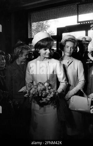 Kennedy, Jacqueline, 28.7.1929 - 19,5.1994, Primera Dama, 1961-1963, Media longitud, 1960s, Bouvier, DERECHOS-ADICIONALES-AUTORIZACIÓN-INFORMACIÓN-NO DISPONIBLE