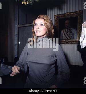 Berger, Senta, * 13,5.1941, actriz austríaca, media longitud, 1970S, INFORMACIÓN-INFORMACIÓN-INFORMACIÓN-DERECHOS-ADICIONALES-NO-DISPONIBLES